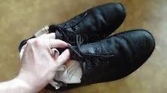 Как ухаживать за обувью из лакированной кожи