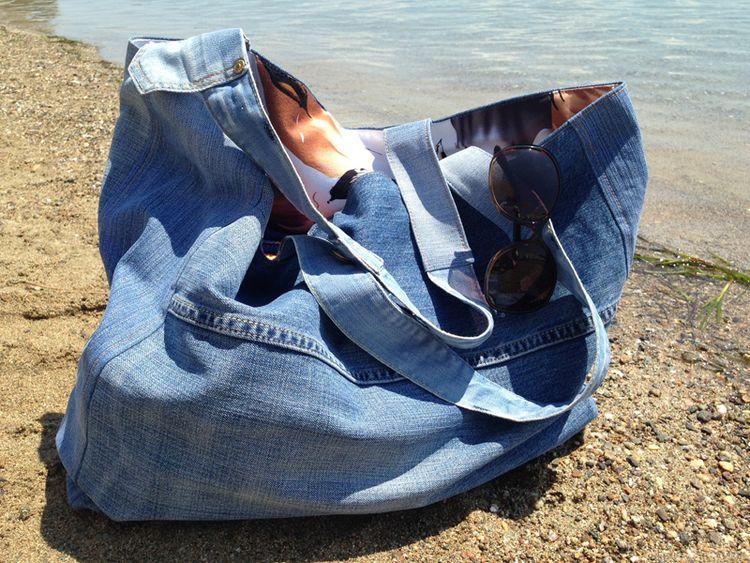 Как украсить джинсовую сумку