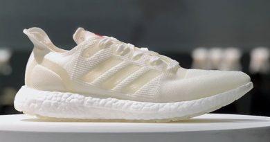Adidas планирует выпустить около 15-20 млн пар обуви из пластиковых отходов в 2020.  Adidas следует тренду на осознанное потр...