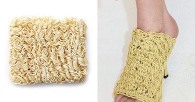 Новые босоножки Bottega Veneta сравнили с лапшой рамен.  Мем, который быстро охватил весь fashion рынок, был опубликован в In...