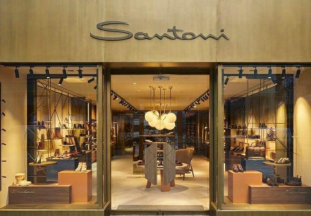 Santoni открыл бутики в Осаке и Нью-Йорке.  Флагманский бутик итальянского люксового бренда обуви и аксессуаров открылся в Нь...