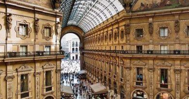 Prada Group приобрела своего франчайзи Fratelli Prada.  Сообщается, что Prada Group купила компанию Fratelli Prada за 66 млн ...