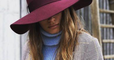 Фетровые шляпы и вязаные шапки - фавориты новой аксессуарной линии «Эконика». Бренд обуви «Эконика» в этом сезоне представил ...