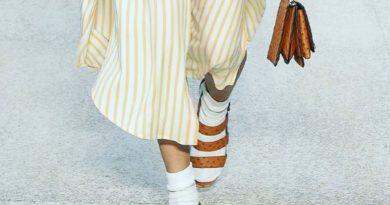 Salvatore Ferragamo представил кожаные носки на Неделе моды в Милане.  Модный дом SalvatoreFerragamo в своей основе – произв...