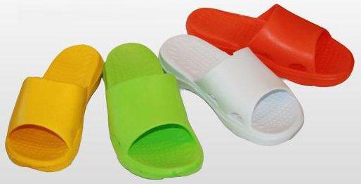 Как выбрать детскую обувь для бассейна